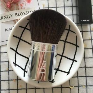 New CHRISTIAN Dior  kABUKI BRUSH
